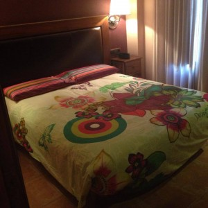 desigual fotos habitaciones 2 300x300 El Hotel Rural Restaurante La Façana se viste de Desigual   Disfrutadla con estas fotos