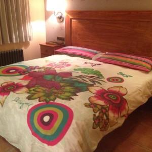 desigual fotos habitaciones 5 300x300 El Hotel Rural Restaurante La Façana se viste de Desigual   Disfrutadla con estas fotos