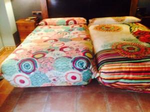 desigual fotos habitaciones 8 300x225 El Hotel Rural Restaurante La Façana se viste de Desigual   Disfrutadla con estas fotos