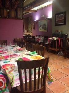 desigual fotos restaurante 2 225x300 El Hotel Rural Restaurante La Façana se viste de Desigual   Disfrutadla con estas fotos